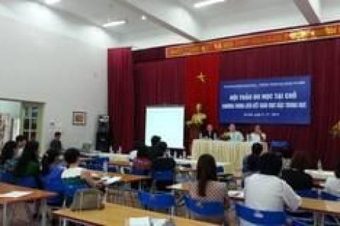 Hội thảo du học dành cho học sinh ACP tại Đoàn Thị Điểm