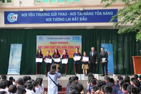 Trao thưởng học sinh có thành tích xuất sắc khối Song ngữ và CLB Năng khiếu trường Đoàn Thị Điểm