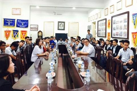 Giao lưu với đoàn học sinh trường Trung học Canberra, Singapore